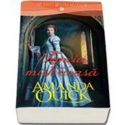 Amanda Quick, Femeia misterioasa