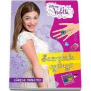 Disney, Violetta. Secretele oglinzii - Cartile Violettei - Editie cu coperti cartonate