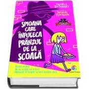 Pamela Butchart, Spioana care infuleca pranzul de la scoala