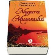 Christina Courtenay, Negura Musonului
