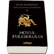 Percy Jackson si Olimpienii. Hotul fulgerului - Cartea I (Editie paperback) de Riordan Rick