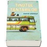 Tinutul tantarilor de David Arnold (Editia Paperback)