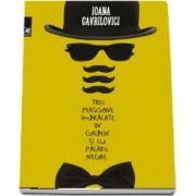 Trei persoane îmbrăcate în galben şi cu pălării negre de Ioana Gavrilovici