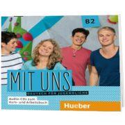 Mit uns B2. 1 Audio-CD zum Kursbuch, 1 Audio-CD zum Arbeitsbuch Deutsch fur Jugendliche, Anna Breitsameter, HUEBER