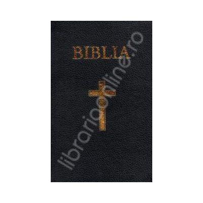 Biblia imbracata in piele si aurita. Coperta grena