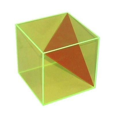 Cub in sectiune triunghiulara